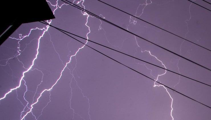 many-volts-lightning-bolt
