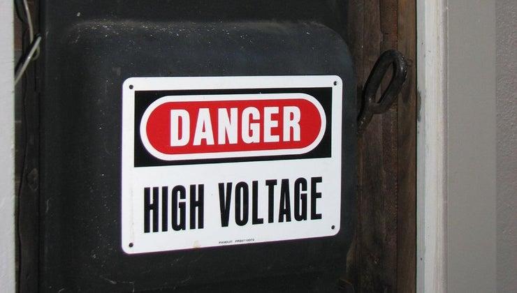 many-watts-can-20-amp-breaker-handle