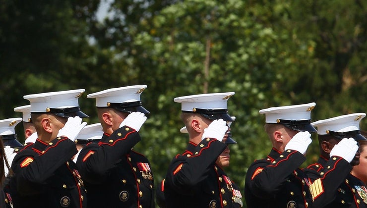 marines-crossed-rifles-symbol