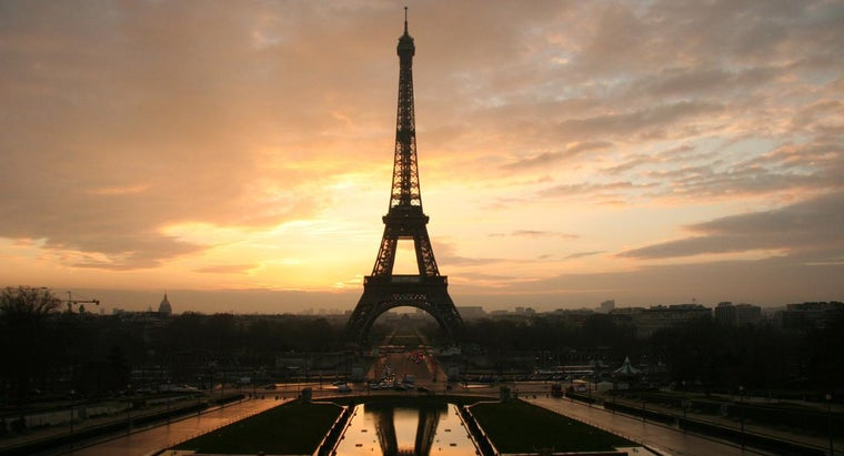 materials-were-used-build-eiffel-tower
