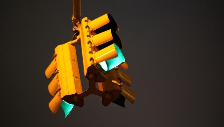 much-traffic-light-weigh