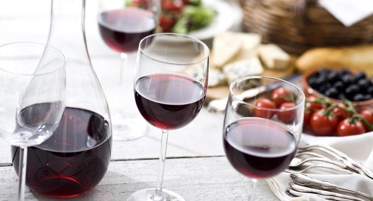 much-wine-carafe-hold