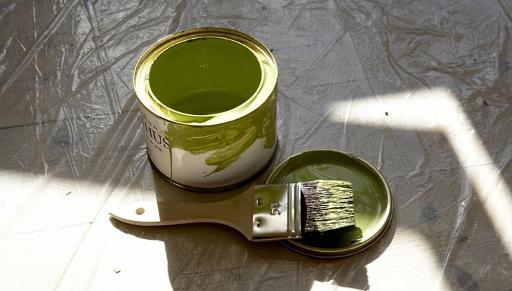 paint-stick-plastic-should-painted