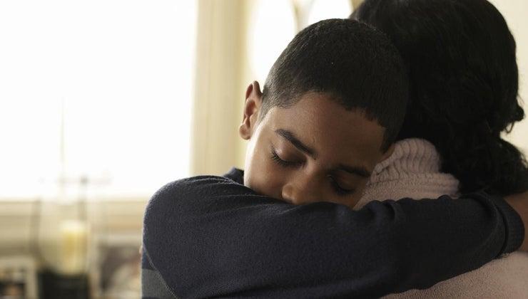 pat-others-back-hugging