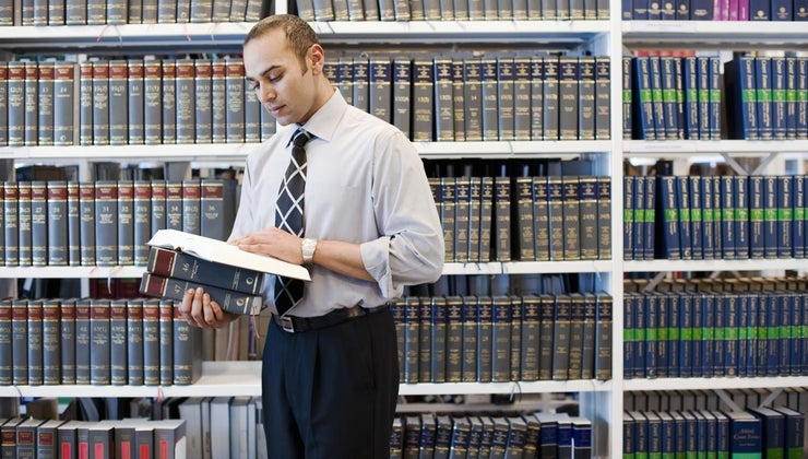 people-study-law
