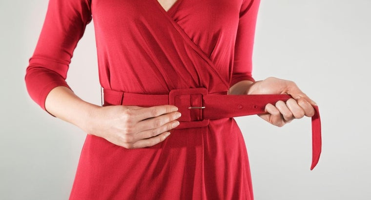 proper-way-wear-belt-women