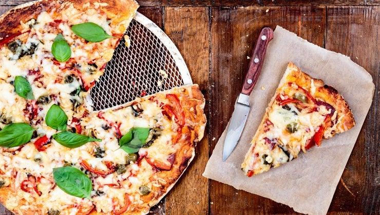 recipe-pizza-crust-using-bisquick