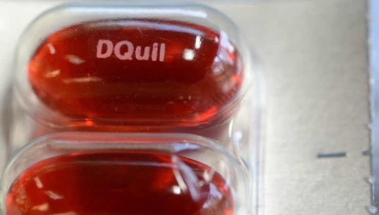 recommended-adult-dosage-dayquil-cold-flu-medicine