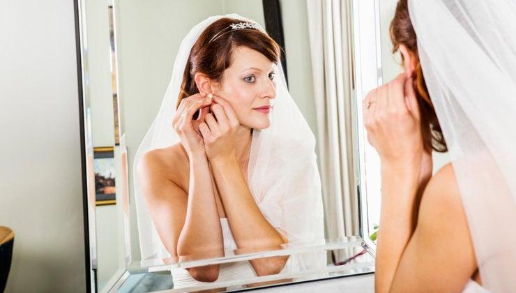 remove-stuck-earring-back