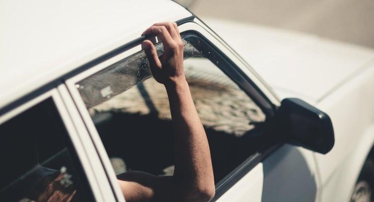 remove-thule-roof-bars-car