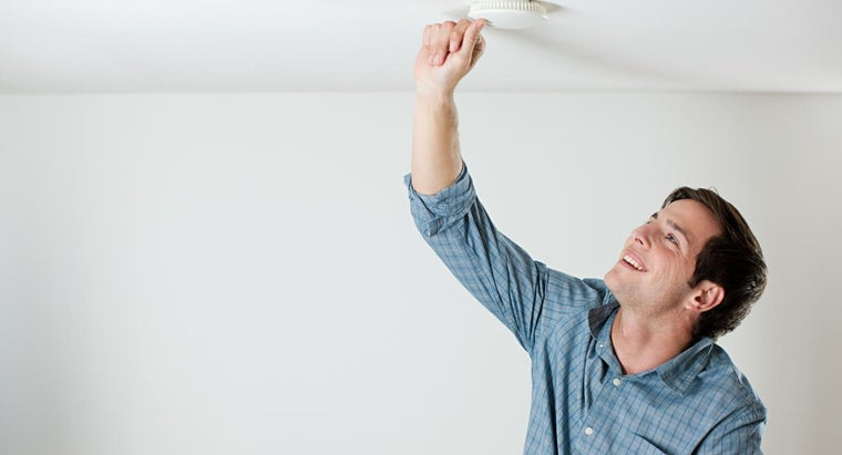 replace-smoke-alarm-batteries