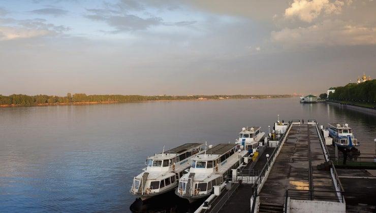 rivers-flow-caspian-sea