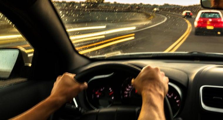shaking-car-steering-wheel-indicate