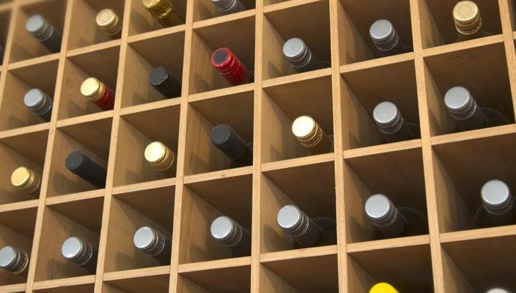 shelf-life-unopened-bottle-white-wine