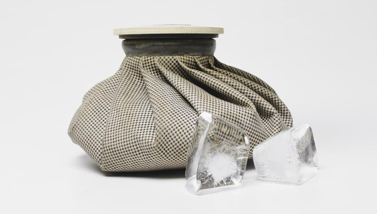 should-use-ice-heat-back-pain