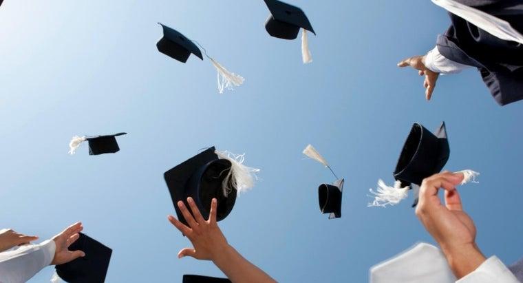 side-graduates-wear-tassels