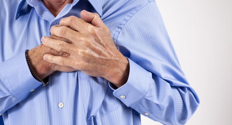 simultaneous-chest-back-pain-indicate-heart-attack