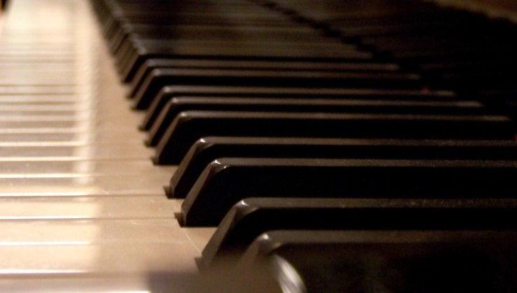 size-baby-grand-piano