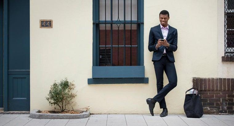 sort-dress-code-includes-lounge-suit
