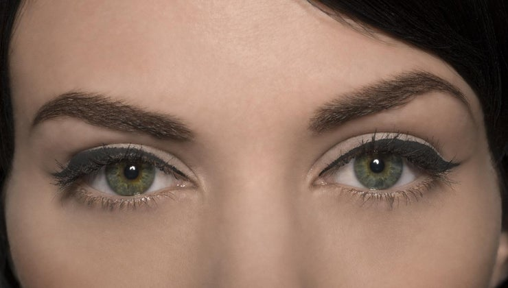 swelling-above-eyebrows