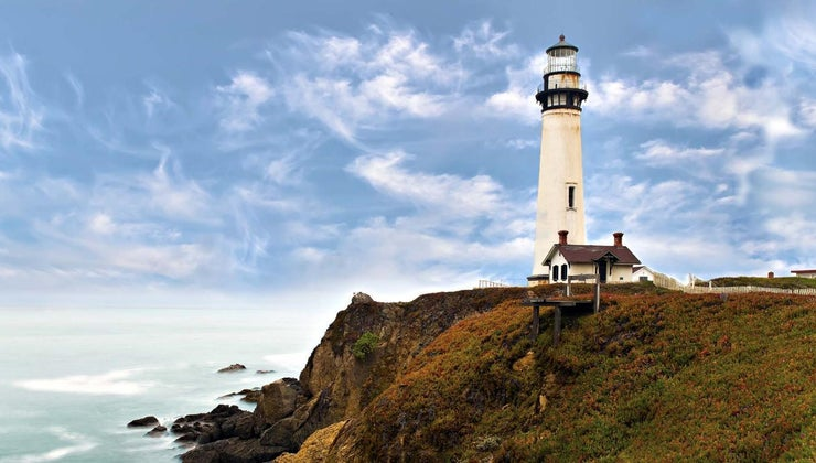 symbolic-meaning-lighthouse