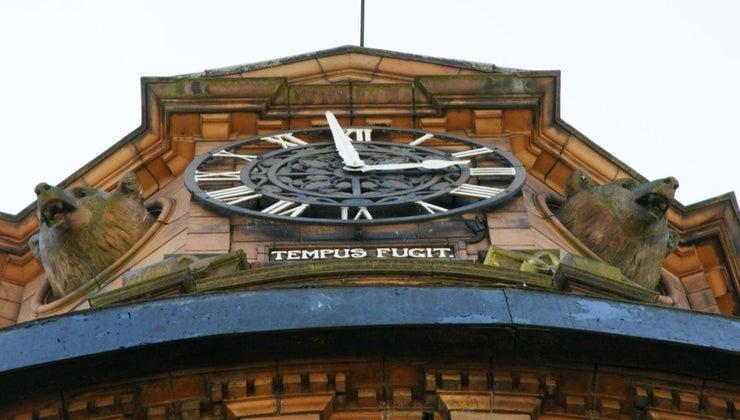 tempus-fugit-grandmother-clock