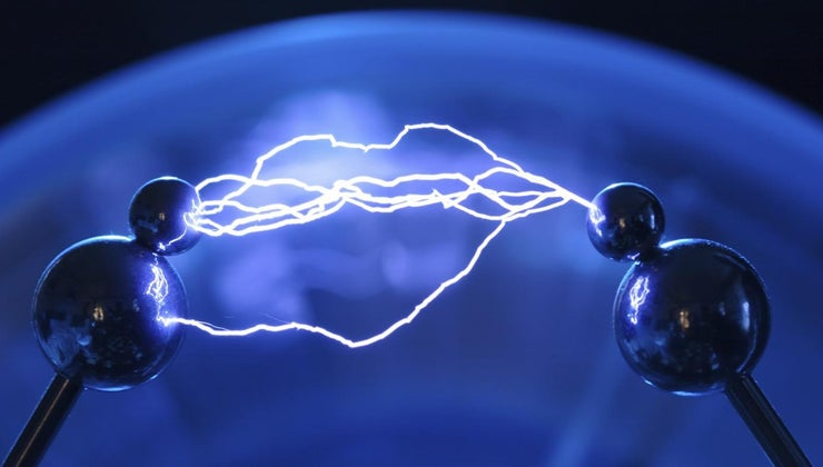 two-things-affect-size-electric-force