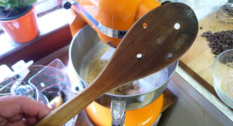 use-wooden-spoon-cooking