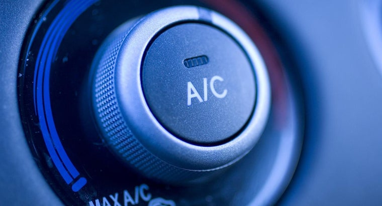 using-air-conditioner-car-burn-gas