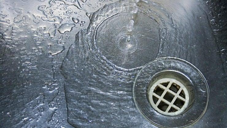 vinegar-baking-soda-clean-drains