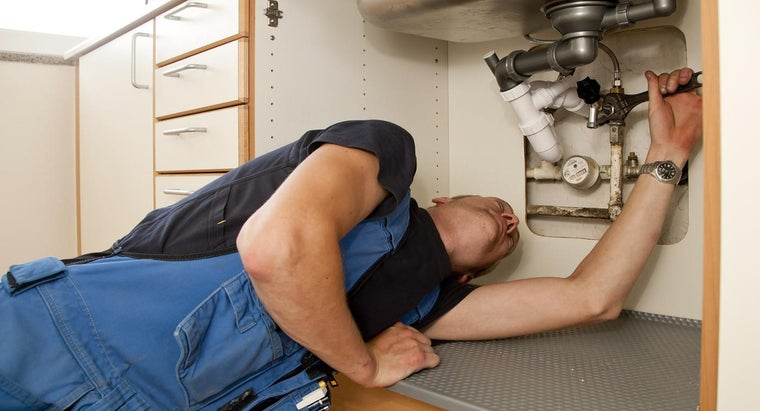 water-leaking-under-kitchen-sink