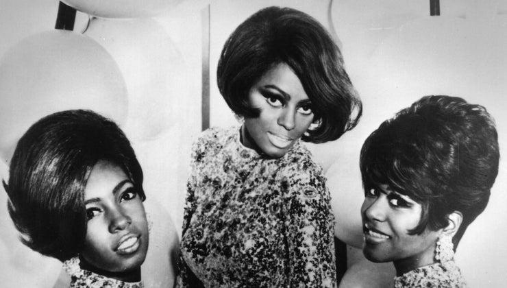 were-popular-hairstyles-1960s
