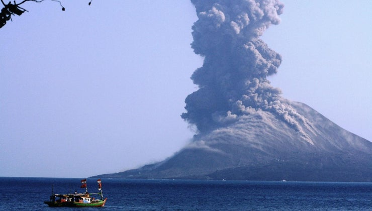 country-active-volcanoes