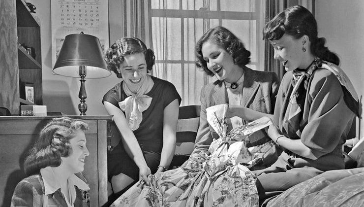 did-girls-wear-1940s
