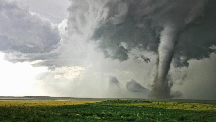 dreams-tornadoes-mean