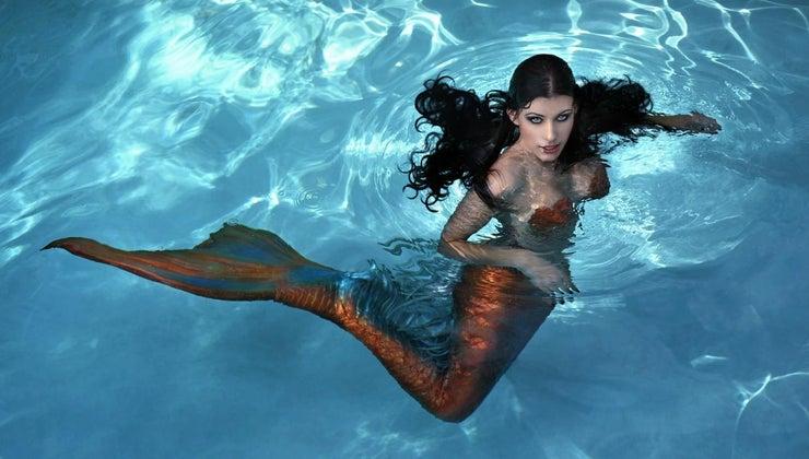 mermaids-eat