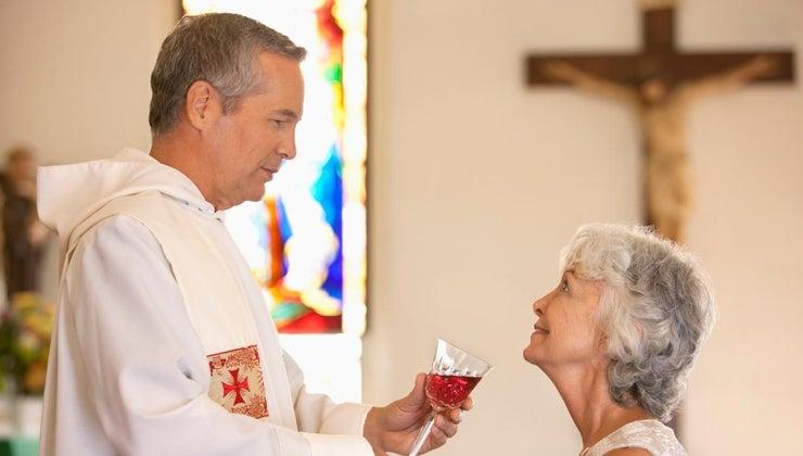happens-holy-communion-service