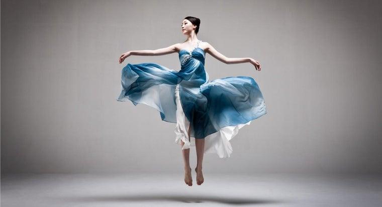 women-wear-dresses