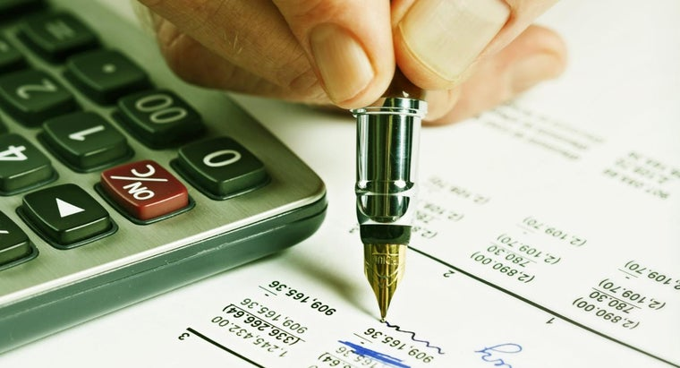 accountant-use-spreadsheet