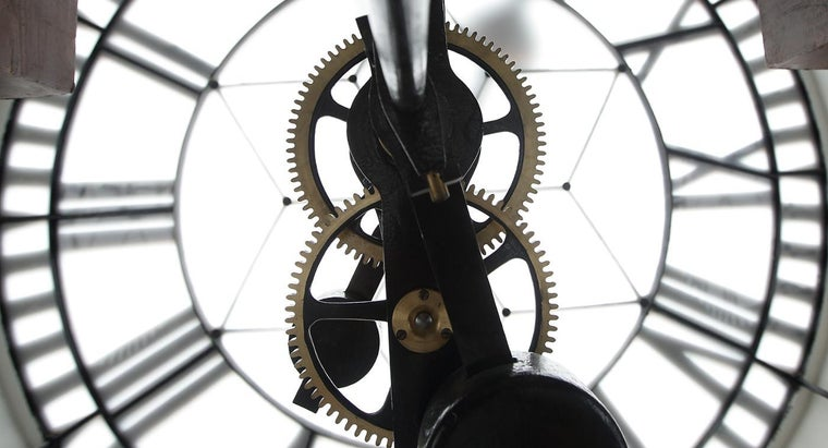 invented-mechanical-clock