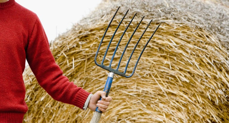 simplest-straw-bale-gardening-instructions