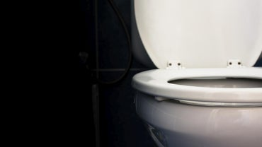 How Do You Adjust the Water Level in a Toilet Bowl?