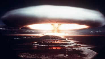 What Are the Advantages and Disadvantages of Nuclear Weapons?