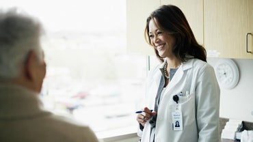 What Are the Advantages and Disadvantages of Becoming a Doctor?