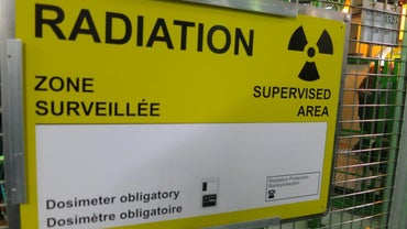 What Are the Advantages and Disadvantages of Radiation?