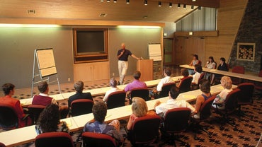 What Are the Advantages and Disadvantages of a Seminar?