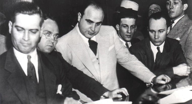 al-capone-known-modern-day-robin-hood