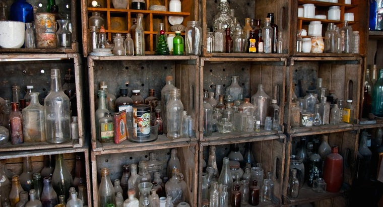 antique-bottle-collecting
