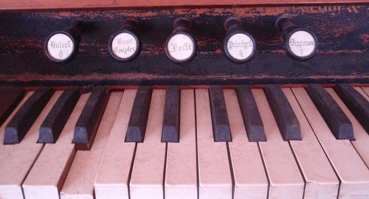 What Is an Antique Pump Organ Worth? | Reference com