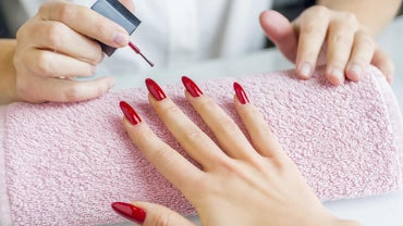 How Do You Apply Acrylic Nails?